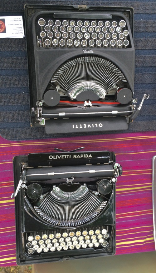 Bryan Kruk always brings some lovely machines; here a pair of Olivetti ICOs -- one in matte black and one in a glossy piano black. Bellissimo!